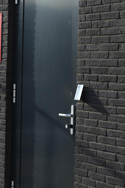 Bouwplast_kunststof_deur_met_codeslot